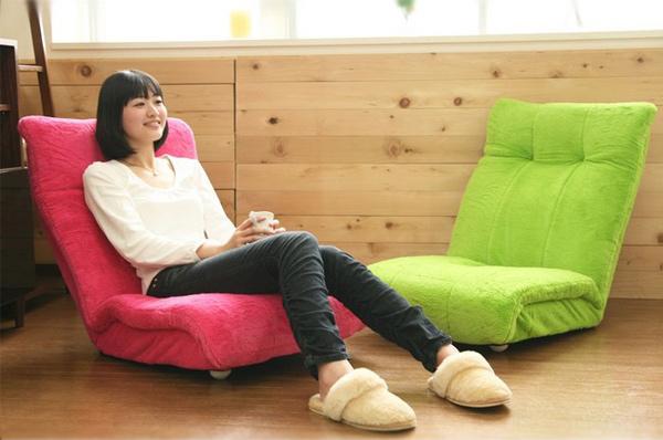 かわいらしい色合いの座椅子ソファー