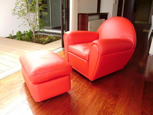 赤いソファー12