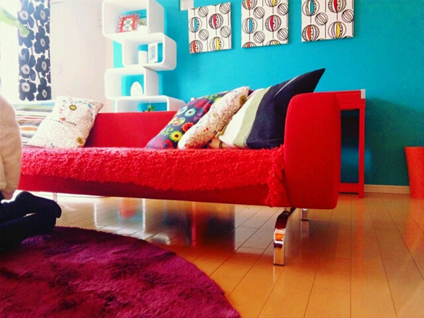 赤いソファー2