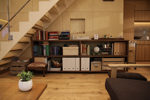 部屋の大半が木製