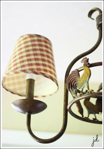 th_french-country-decorating-lighting-1