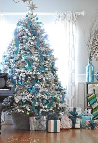 th_blue-and-white-christmas-tree-centsational-girl